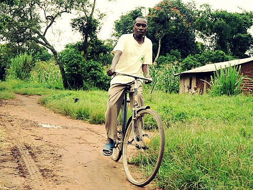 Photo for: Bikes for health in Iyolwa