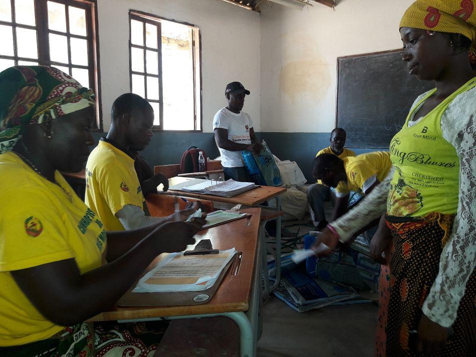 pPonto de distribuiccedilatildeo numa escola do distrito de Nacala Portop