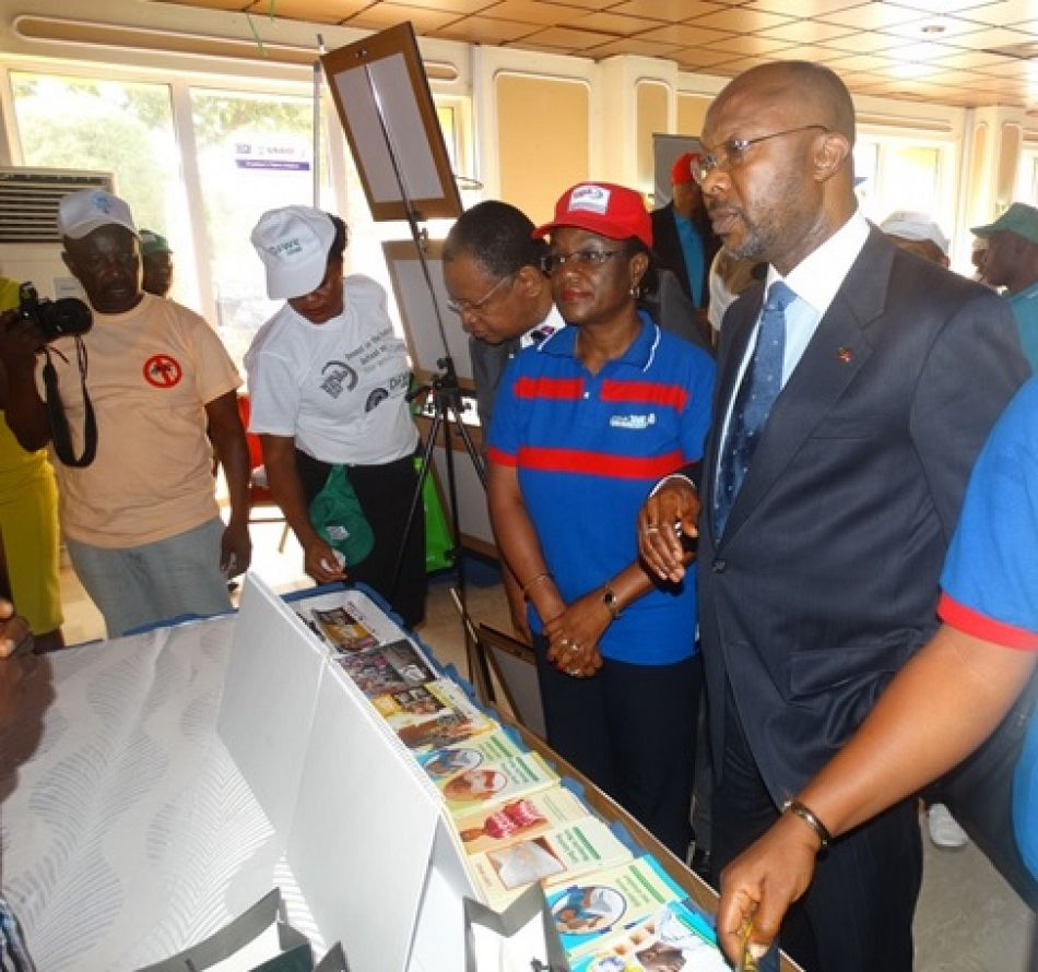pPermanent Secretary and Representative of the Health Minister Linus Awute and the National Coordinator of the National Malaria Elimination Plan Dr N Ezeigwe at one of the exhibition stands at the ministerial press briefing in Abuja Nigeria on the occasion of World Malaria Day 2015p