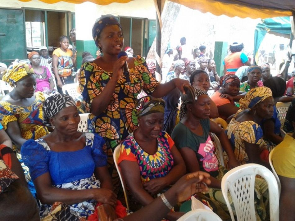 pCommunity members asked questions about malaria prevention and treatment at a World Malaria Day event in Jikwoi Nigeriap