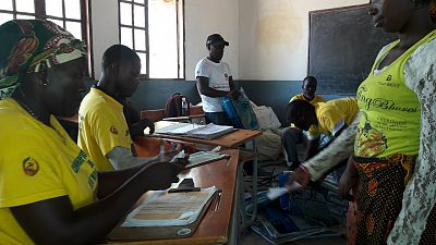 Ponto de distribuição numa escola do distrito de Nacala Porto